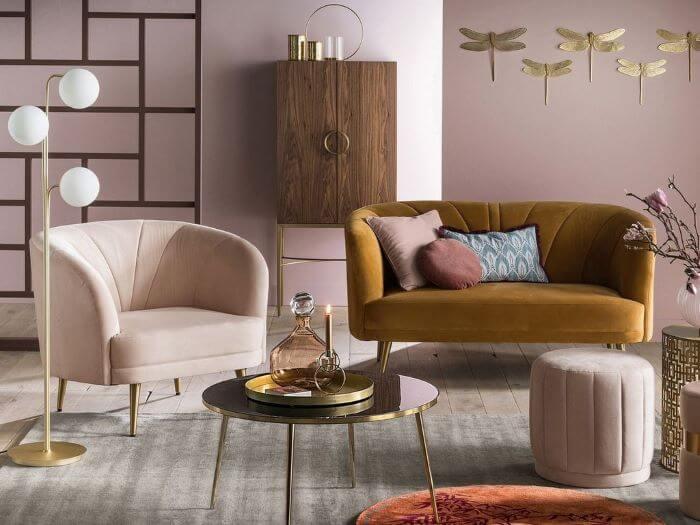 sala dorado con rosa